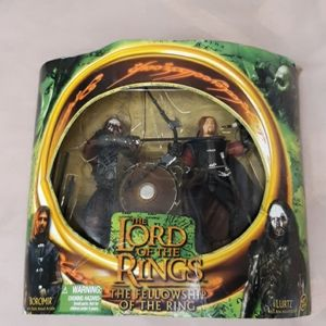 Lord of the rings Boromir and Lurtz action figures